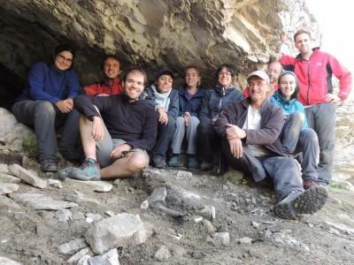 L'equip a la cova del Catau de l'Os al Forat de l'Embut (Vall de Núria).