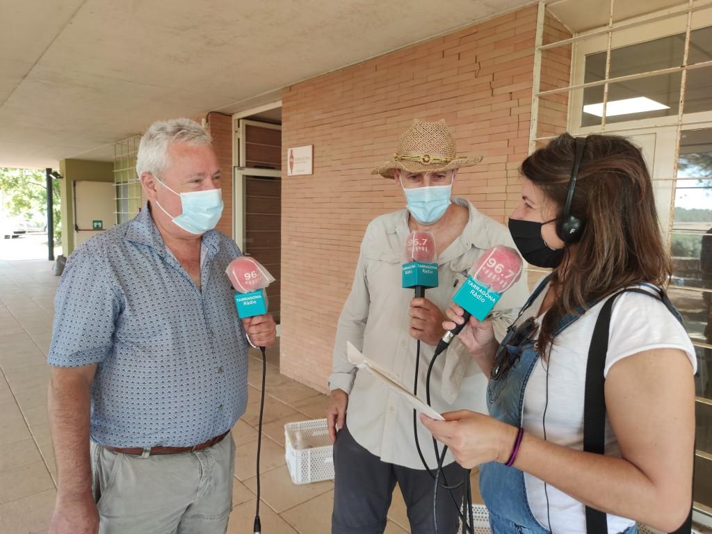 Fernando Zamora (URV), amb Josep Maria Macias (ICAC) i Núria Cartanyà (Tarragona Ràdio), durant l'emissió del programa Toquem Pedra. Foto: ICAC.